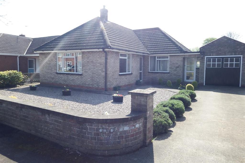 2 Bedrooms Detached Bungalow for sale in Edinburgh Drive, Spalding, PE11