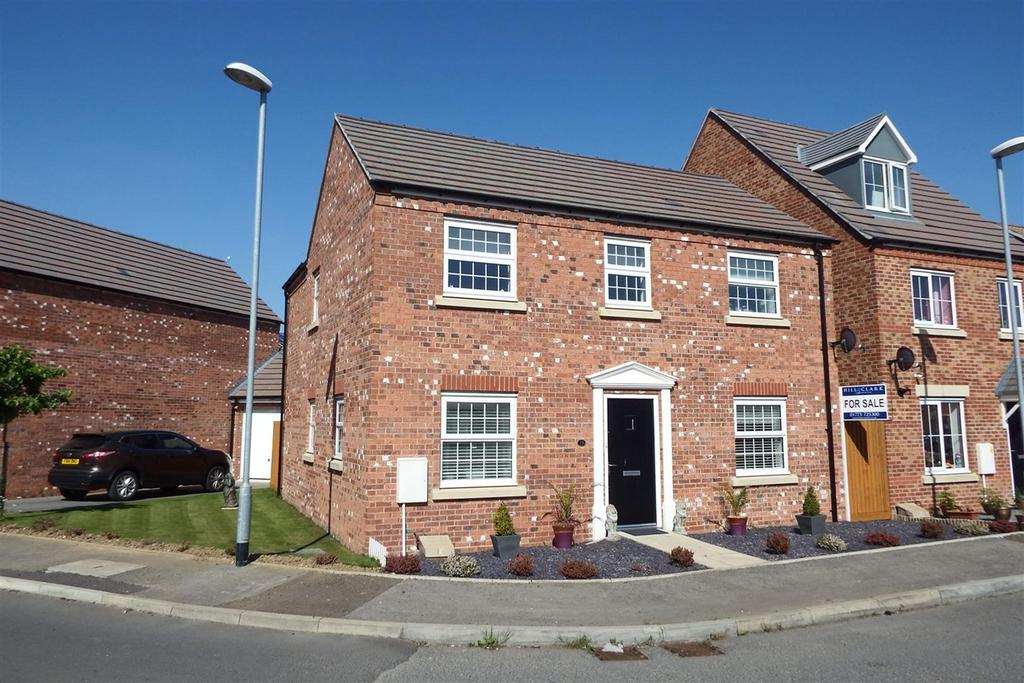 4 Bedrooms Detached House for sale in Danube Square, Spalding, PE11