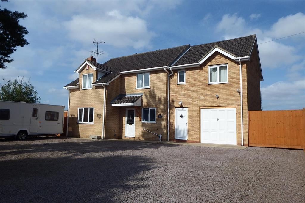 4 Bedrooms Detached House for sale in Little Common Lane, Holbeach, Spalding, PE12