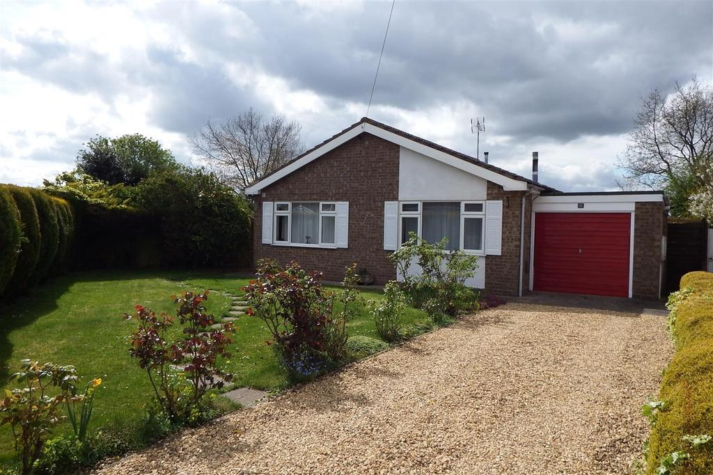 2 Bedrooms Detached Bungalow for sale in Western Avenue, Holbeach, PE12