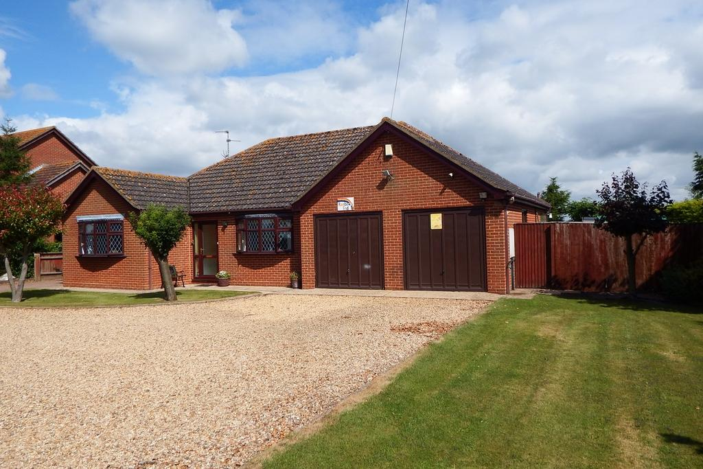 3 Bedrooms Detached Bungalow for sale in St Marks Road, Holbeach St. Marks, PE12