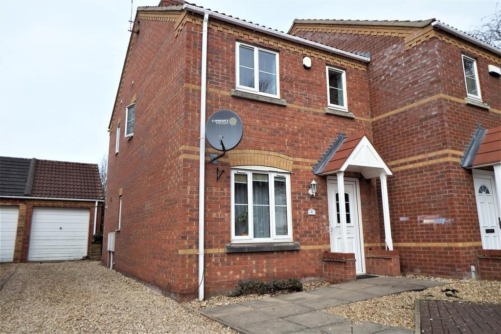 3 Bedrooms Semi Detached House for sale in Kings Court, Kirton, Boston, PE20
