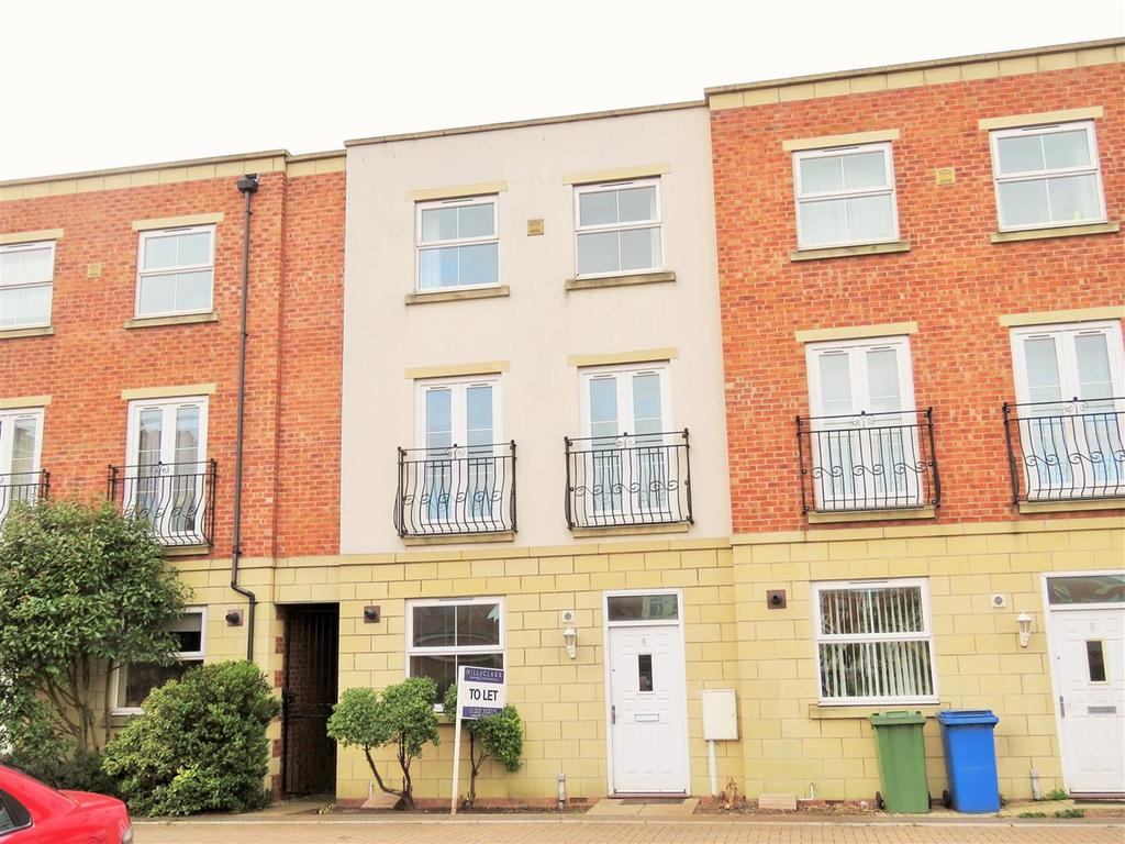 4 Bedrooms Terraced House for sale in Holbeach Terrace, Boston, PE21