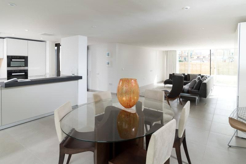 2 Bedrooms Flat for sale in Apartment 3, Charters, 43 Upper Oldfield Park, Bath, BA2