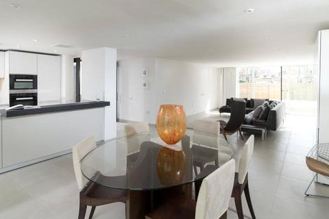 2 bedroom flat for sale - Apartment 3, Charters, 43 Upper Oldfield Park, Bath, BA2