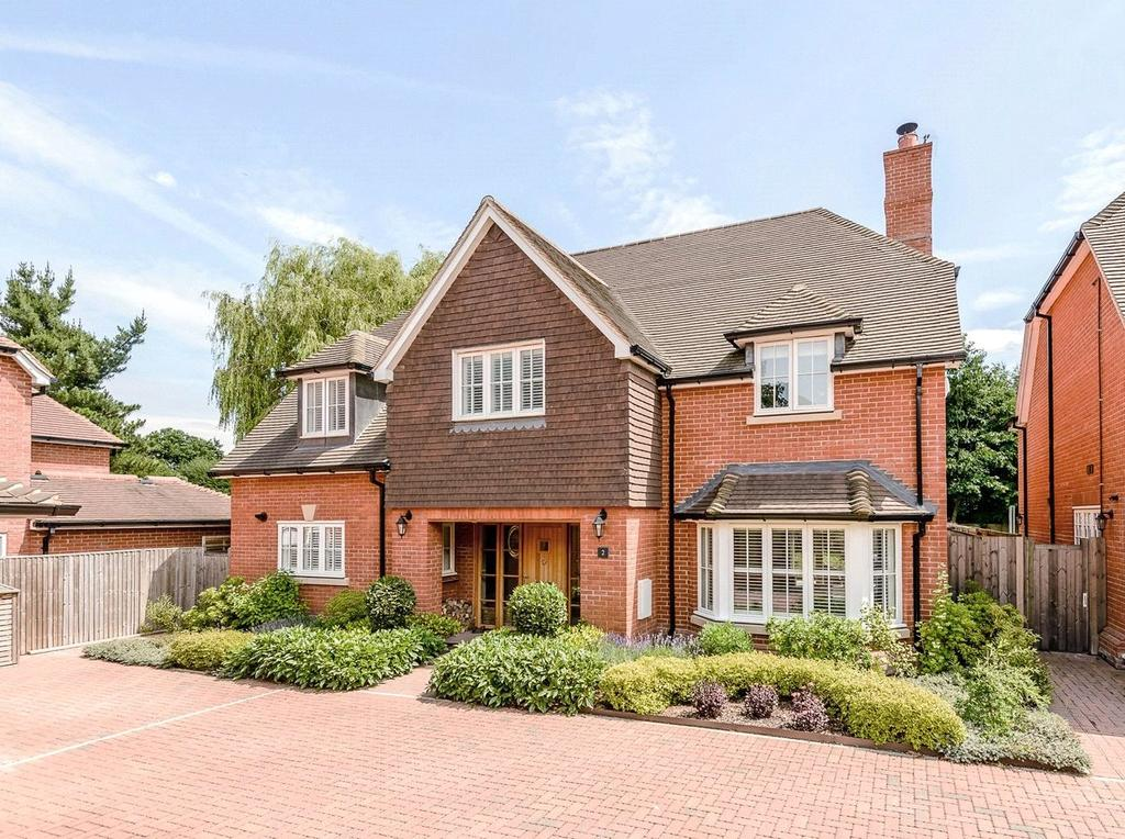 5 Bedrooms Detached House for sale in Alderson Court, Ascot, Berkshire