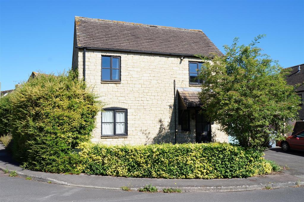 3 Bedrooms Detached House for sale in Painswick Close, Witney