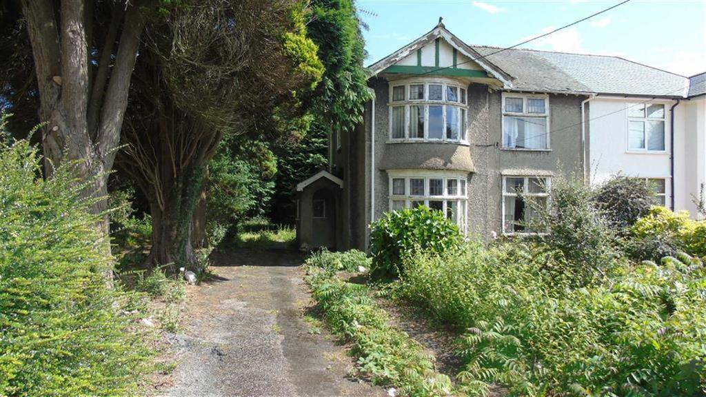 3 Bedrooms Semi Detached House for sale in Pontardawe Road, Swansea, SA6