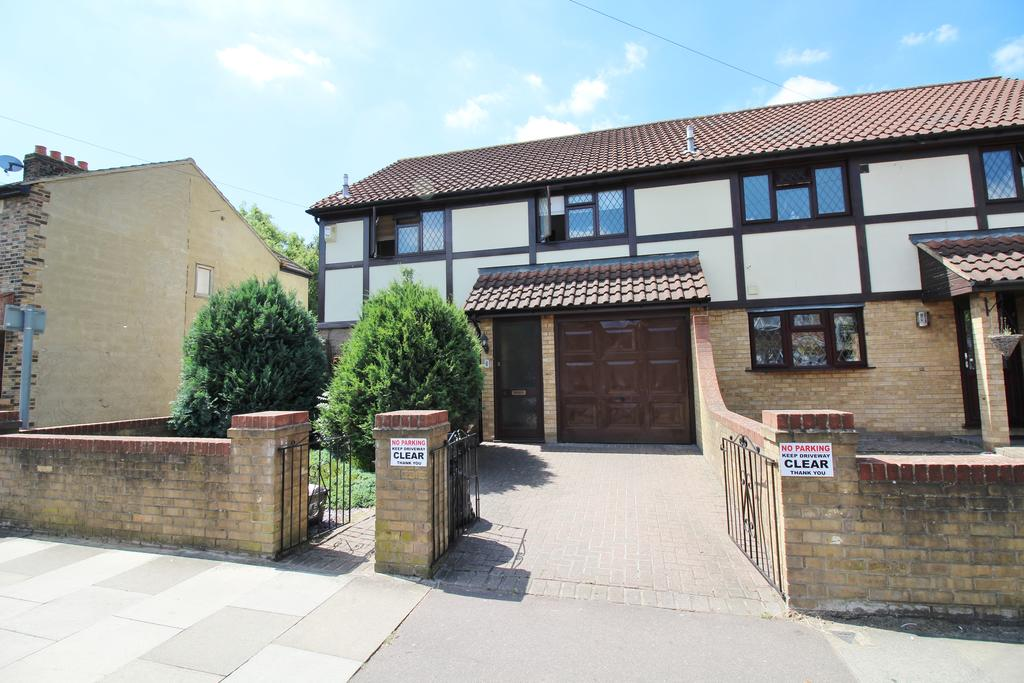 3 Bedrooms Semi Detached House for sale in Youngs Road, Newbury Park IG2