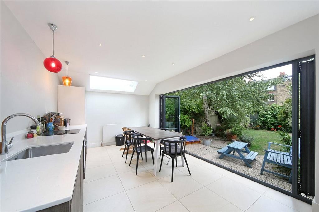 2 Bedrooms Maisonette Flat for sale in Kenyon Street, London, SW6