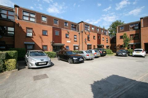 Search 2 Bed Properties For Sale In Warley Brentwood Onthemarket