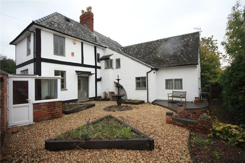 4 Bedrooms Detached House for sale in Pickersleigh Road, Malvern, Worcestershire, WR14