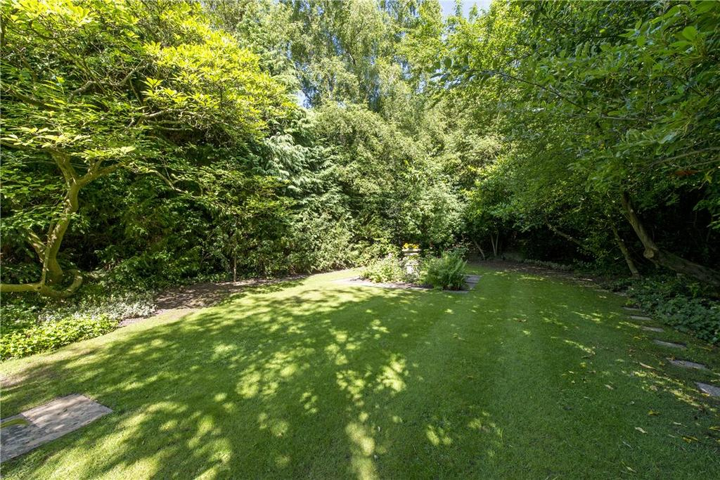 4 Bedrooms Detached House for sale in Templewood Avenue, London, NW3