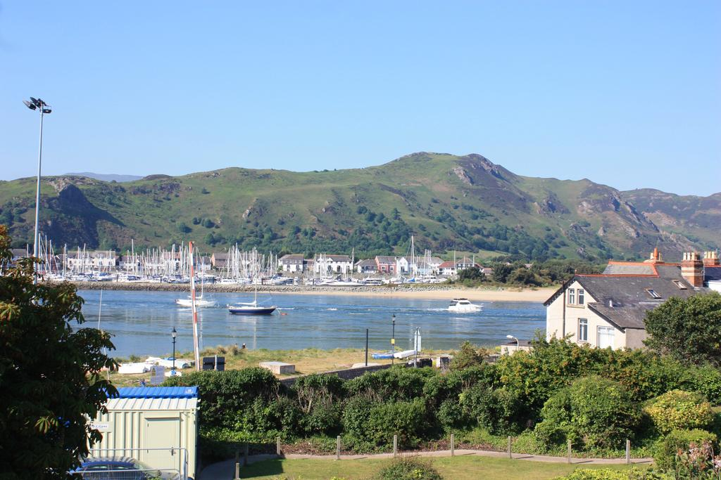 1 Bedroom Apartment Flat for sale in Station Road, Deganwy LL31