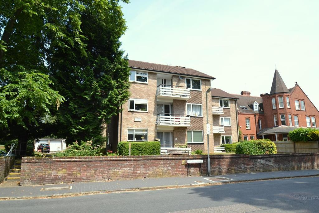2 Bedrooms Flat for sale in Avenue Road, St. Albans