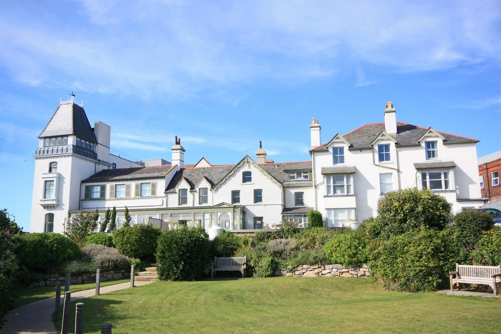 1 Bedroom Ground Flat for sale in Deganwy Castle, Station Road, Deganwy LL31