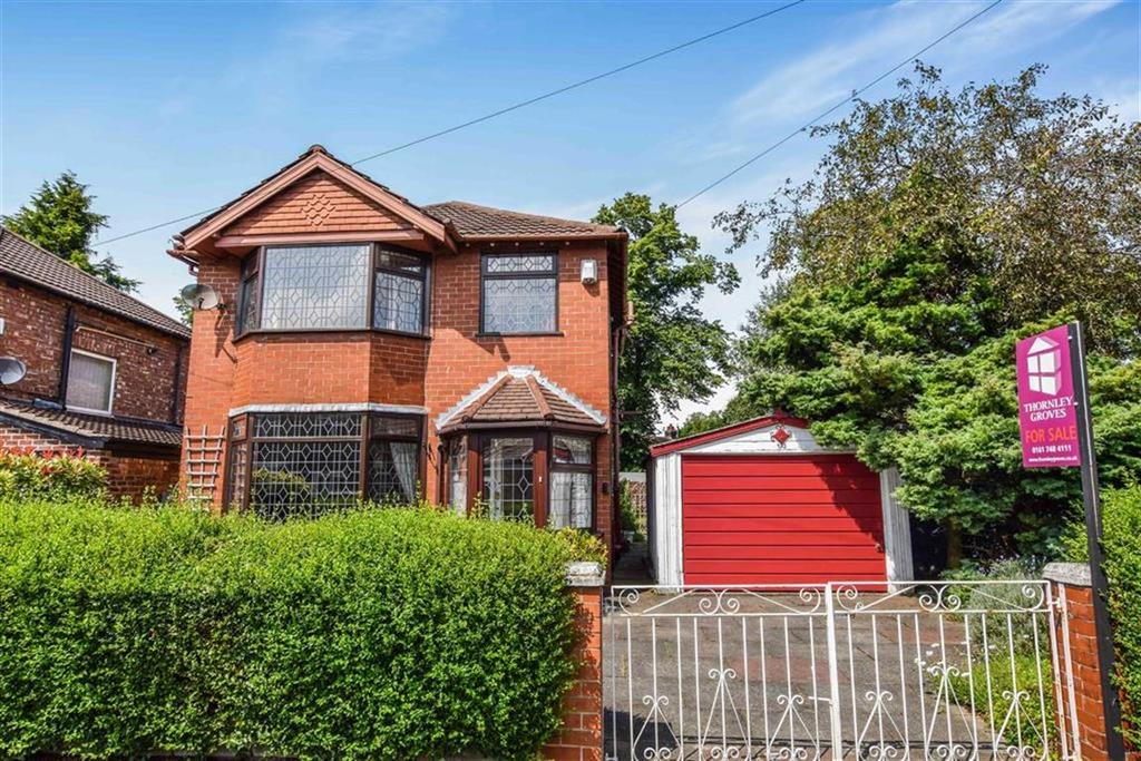 3 Bedrooms Detached House for sale in Heston Drive, Urmston