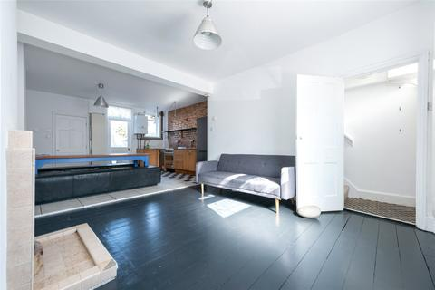 3 bedroom terraced house to rent - Goodhall Street, London, NW10