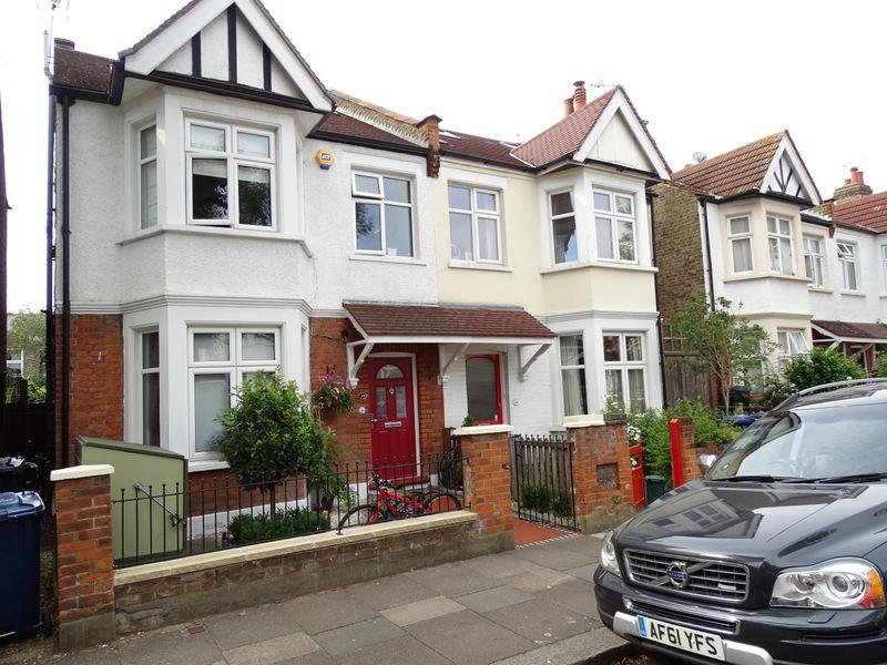 4 Bedrooms House for sale in Kingsdown Avenue, Ealing