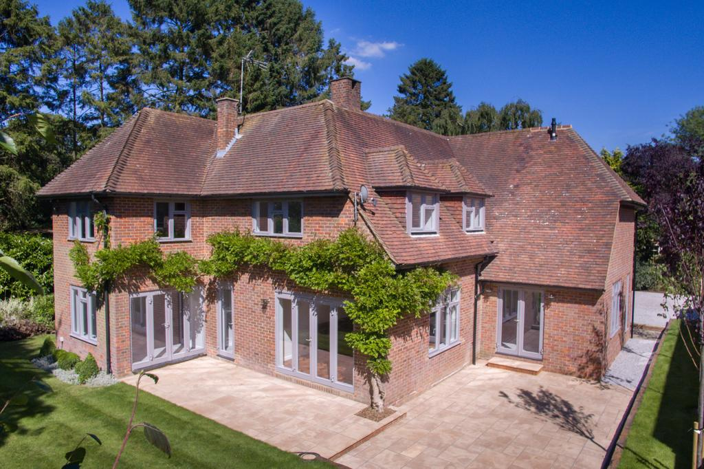 5 Bedrooms Detached House for sale in Shootersway Lane, Berkhamsted HP4