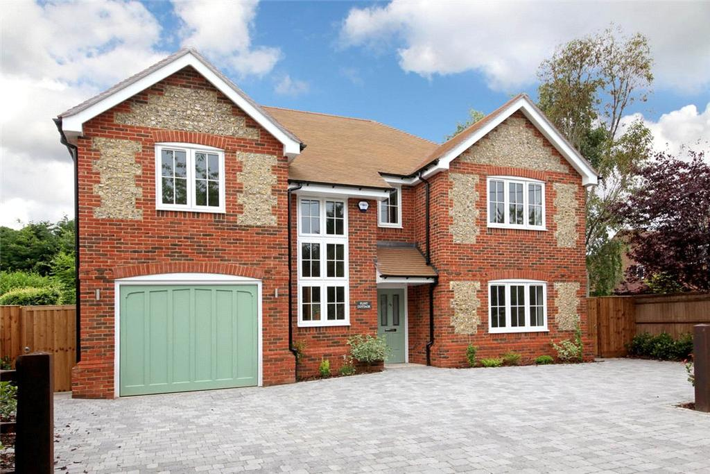 4 Bedrooms Detached House for sale in Manor Road, Seer Green, Beaconsfield, Buckinghamshire, HP9