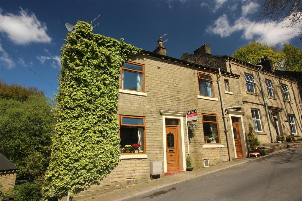 3 Bedrooms Cottage House for sale in Halifax Lane, Luddenden, Halifax