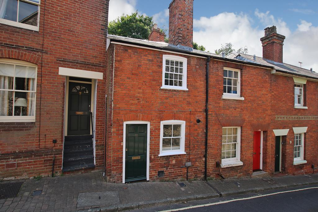 2 Bedrooms Terraced House for sale in Winchester