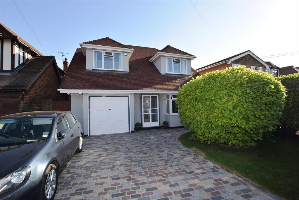 4 Bedrooms Chalet House for sale in Canvey Island
