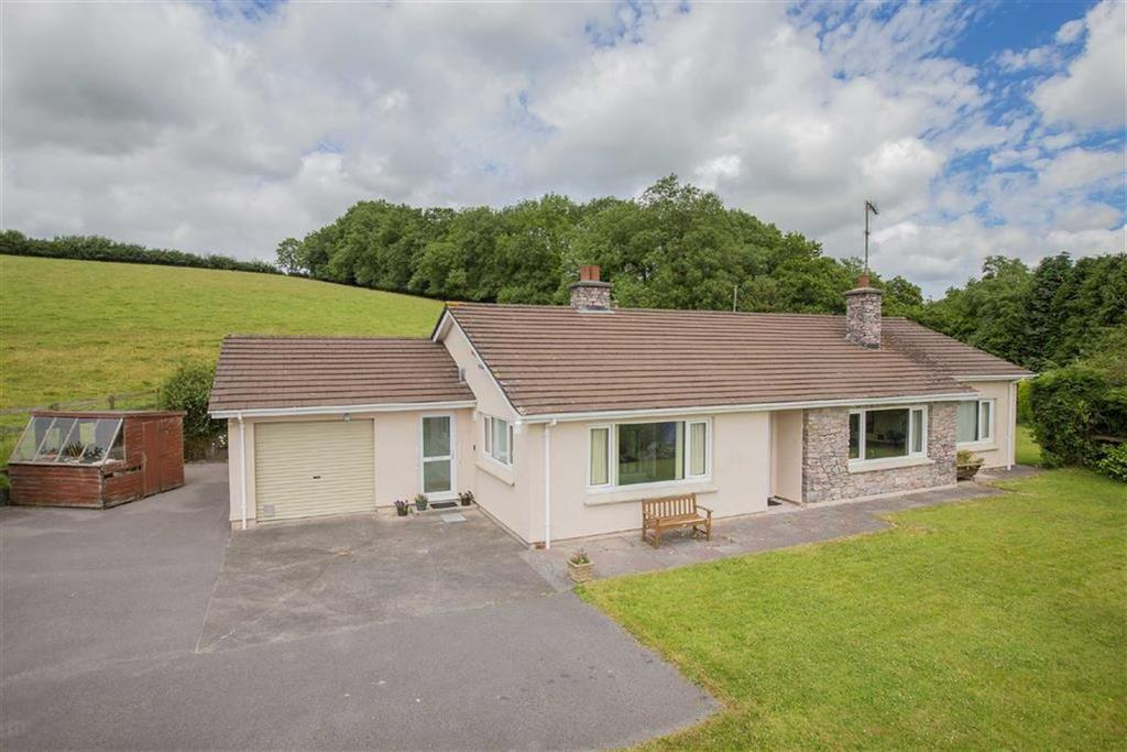 3 Bedrooms Bungalow for sale in Avonwick, South Brent, Devon, TQ10