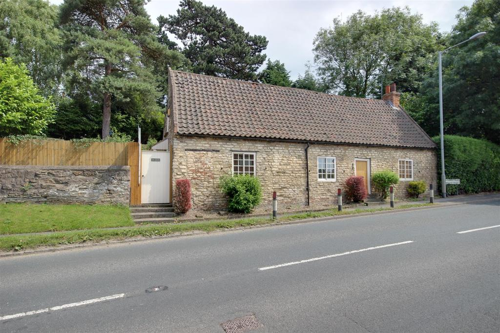 3 Bedrooms Cottage House for sale in Market Place, South Cave, Brough