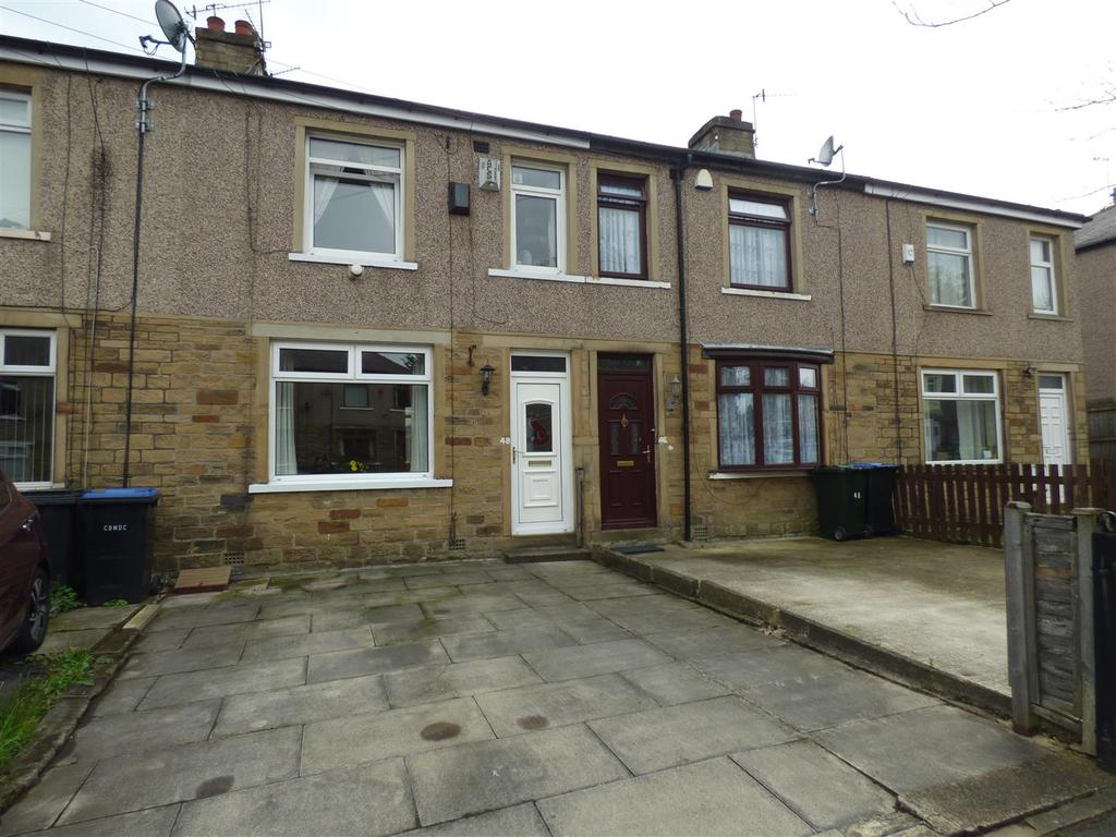3 Bedrooms Town House for sale in Carr Bottom Avenue, Bankfoot, Bradford, BD5 9BG