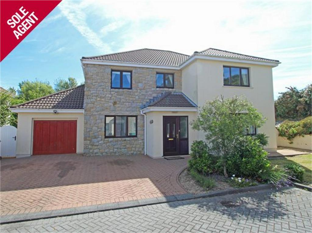 4 Bedrooms Detached House for sale in Durham House, 2 Hamilton Clos, Bordel Lane, Vale