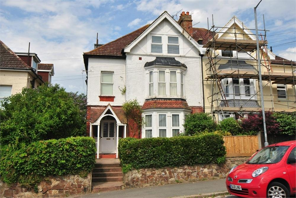 2 Bedrooms Flat for sale in Manor Road, BEXHILL-ON-SEA, East Sussex
