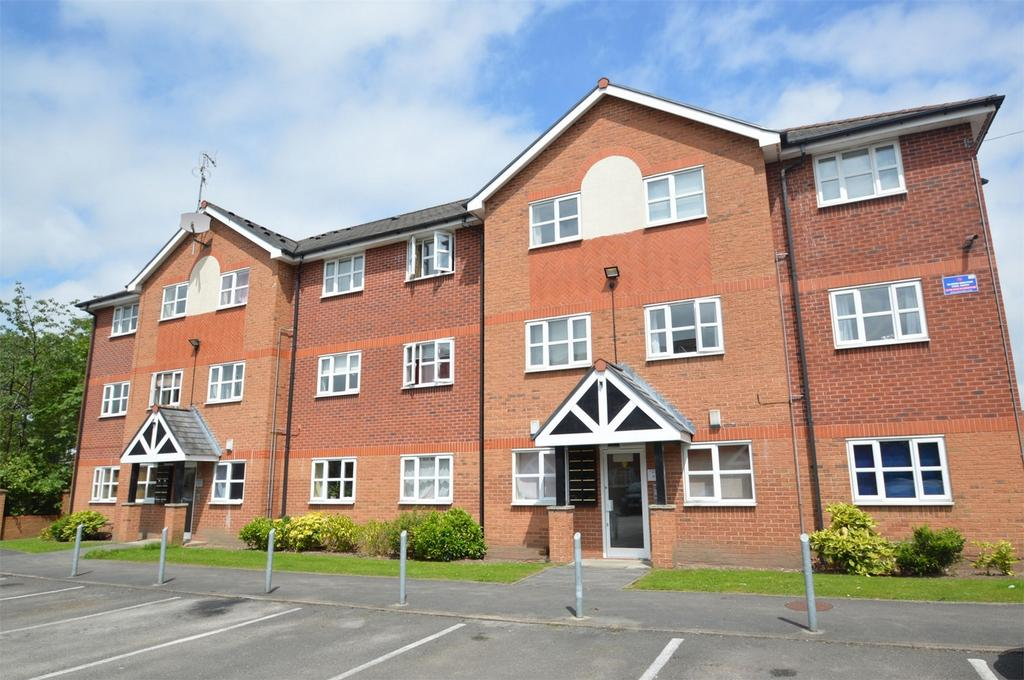 2 Bedrooms Flat for sale in Sir Williams Court, Hall Lane, MANCHESTER
