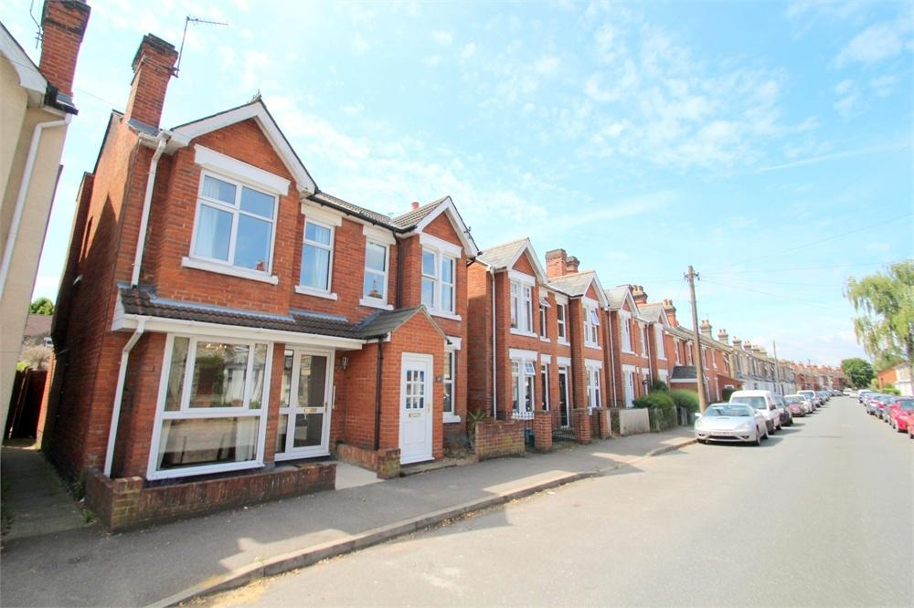 3 Bedrooms Semi Detached House for sale in Morant Road, Colchester, Essex