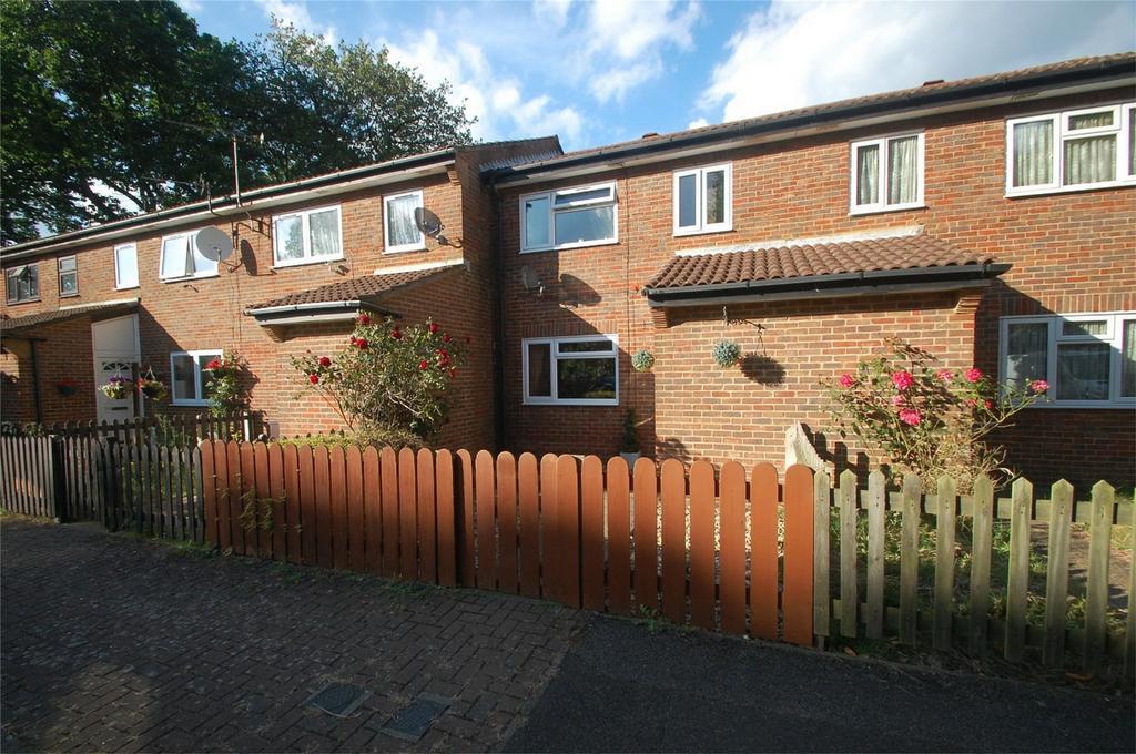 3 Bedrooms Terraced House for sale in Walsingham Close, Parkwood, Gillingham, Kent