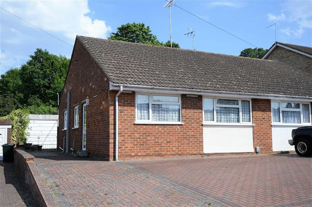 2 Bedrooms Semi Detached Bungalow for sale in Quantock Drive, Ashford, Kent