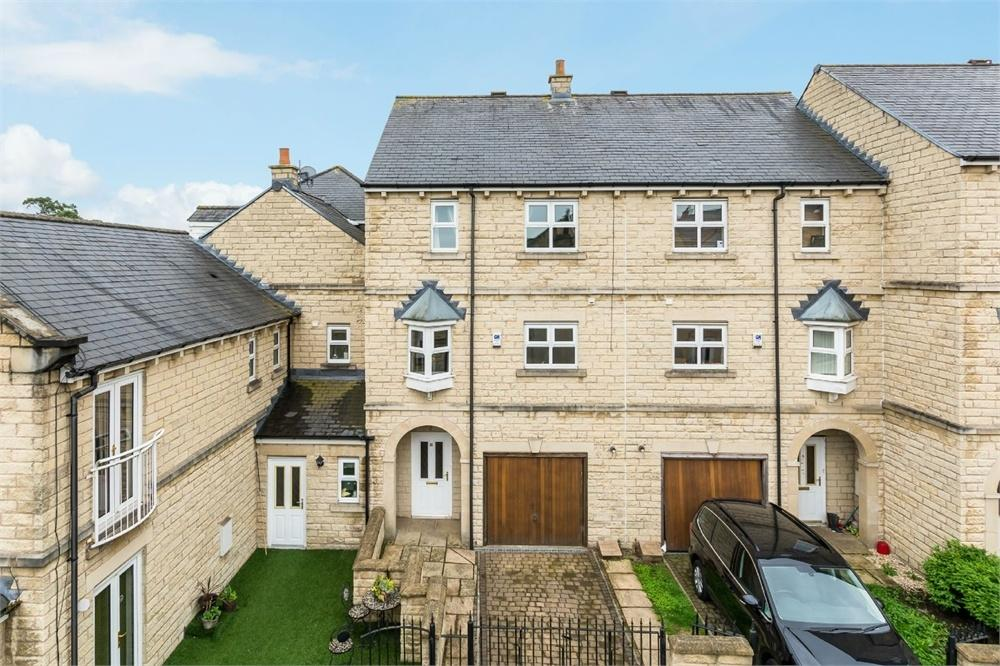 4 Bedrooms End Of Terrace House for sale in Cavendish Mews, Drighlington, West Yorkshire