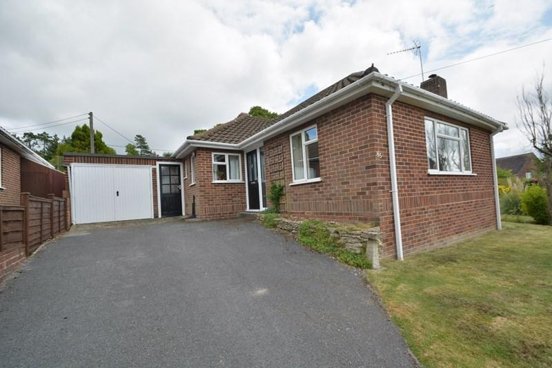 3 Bedrooms Detached Bungalow for sale in Wolversdene Road, Andover