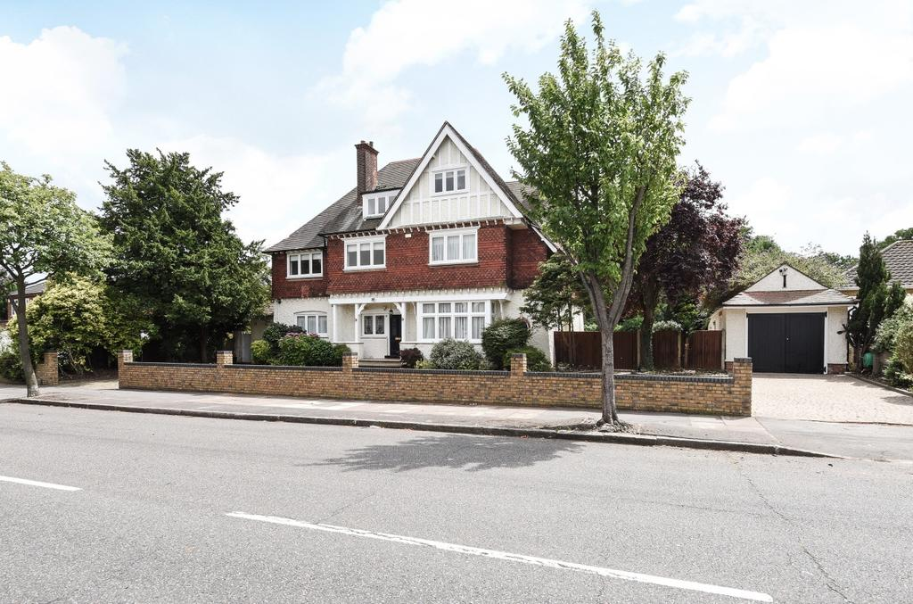 6 Bedrooms Detached House for sale in Park Avenue Bromley BR1