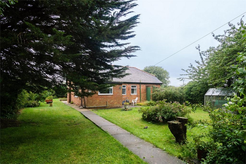 3 Bedrooms Detached Bungalow for sale in Main Road,, Skeffling, East Riding of Yorkshire