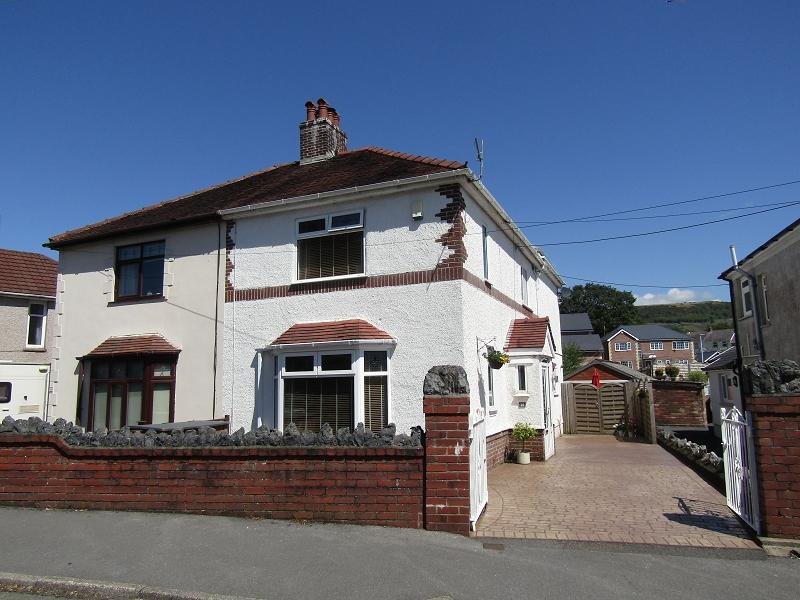 3 Bedrooms Semi Detached House for sale in Heol Eithrim , Clydach, Swansea, City And County of Swansea.