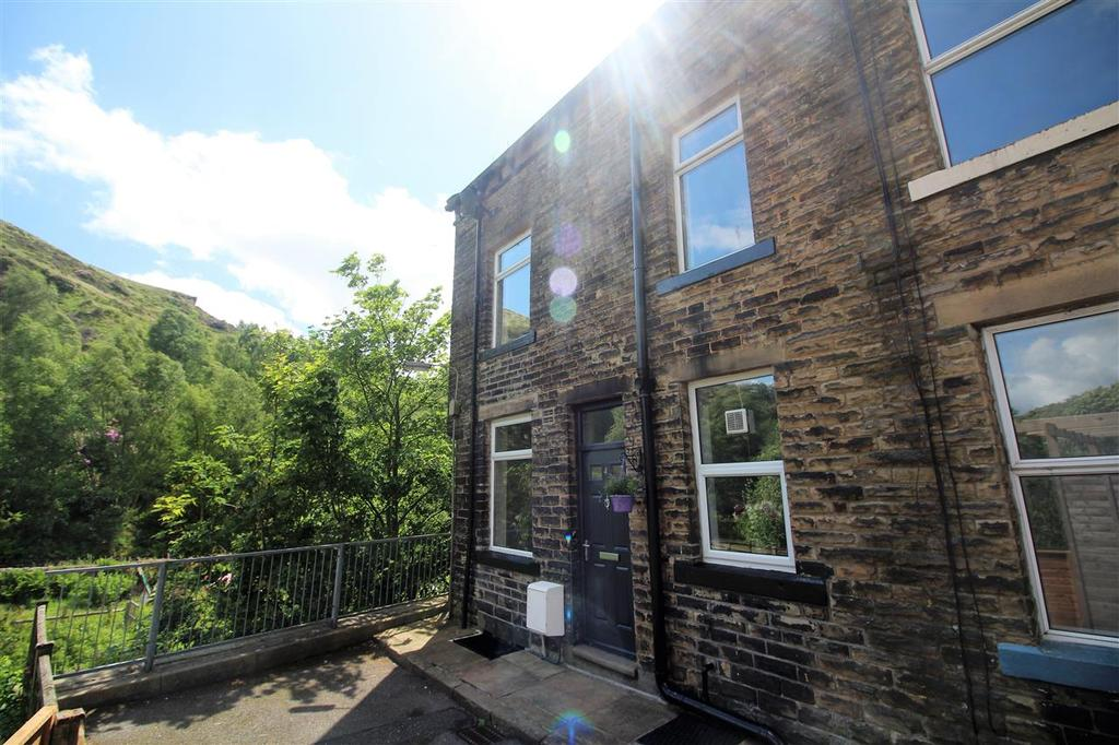3 Bedrooms Terraced House for sale in Fielden Street, Off Halifax Road, Todmorden