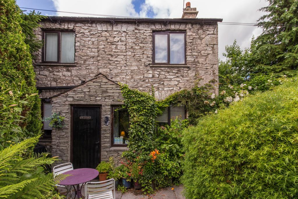 2 Bedrooms Cottage House for sale in The Cottage, Yard 63, Windermere Road, Kendal, Cumbria