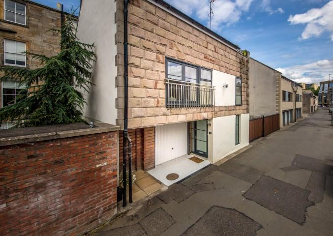 3 Bedrooms Mews House for sale in 11 Woodside Place Lane, Park, G3 7QD