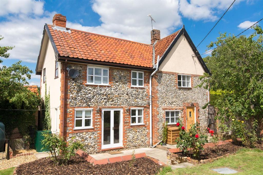 3 Bedrooms Semi Detached House for sale in Diss