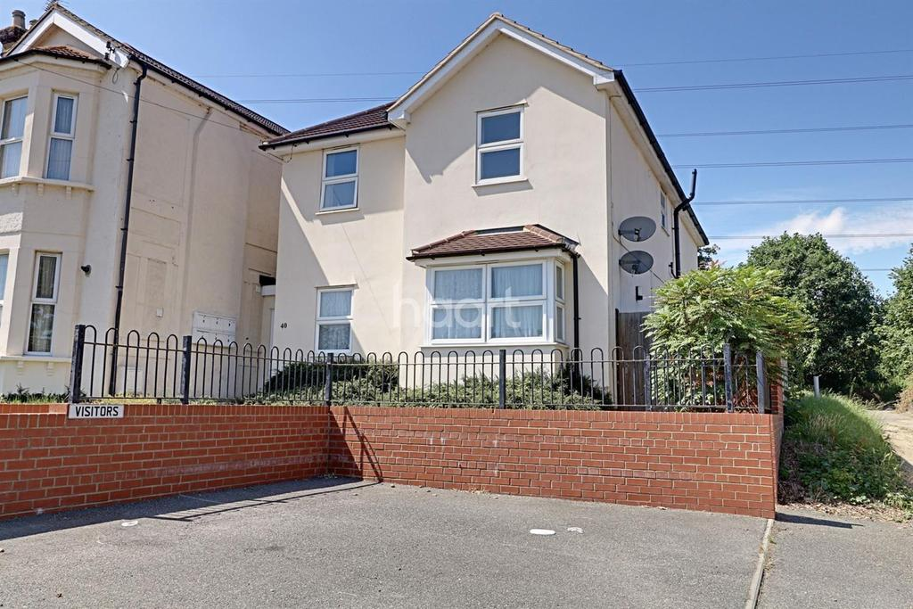 2 Bedrooms Flat for sale in Northumberland Road, Linford, Stanford-le-hope