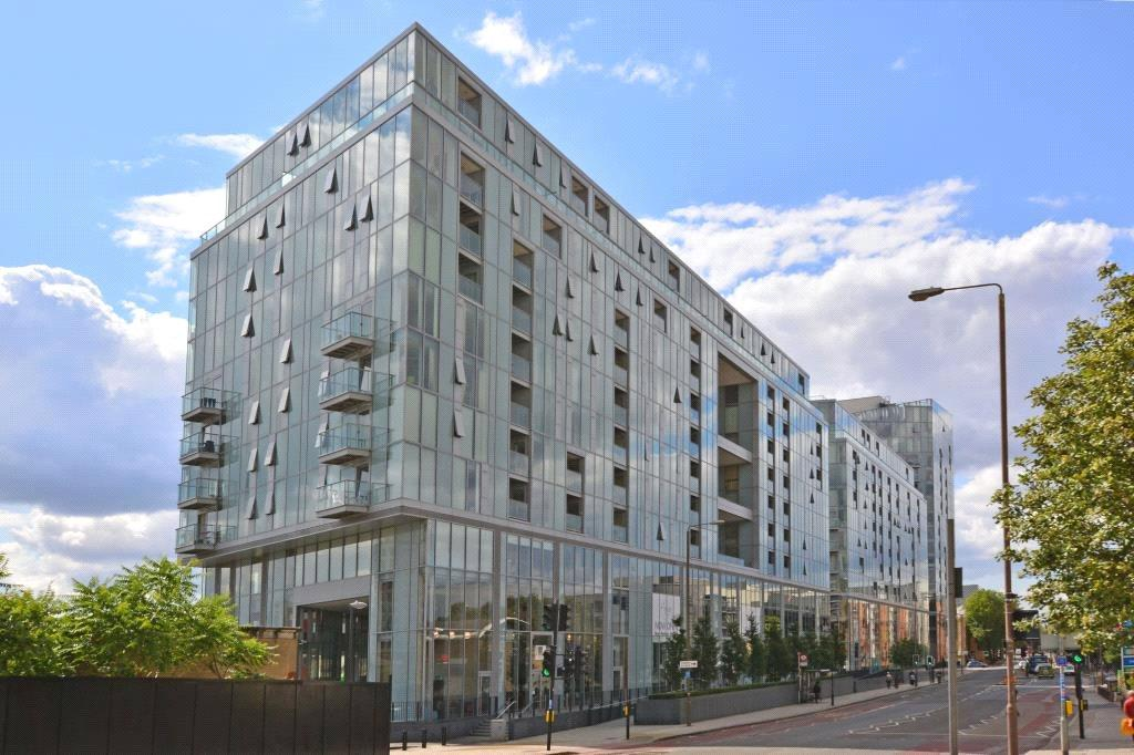 3 Bedrooms Flat for sale in Adagio Point, 3 Laban Walk, Greenwich, London, SE8