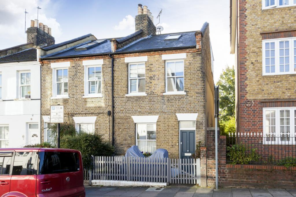 3 Bedrooms End Of Terrace House for sale in Frogmore, London, SW18