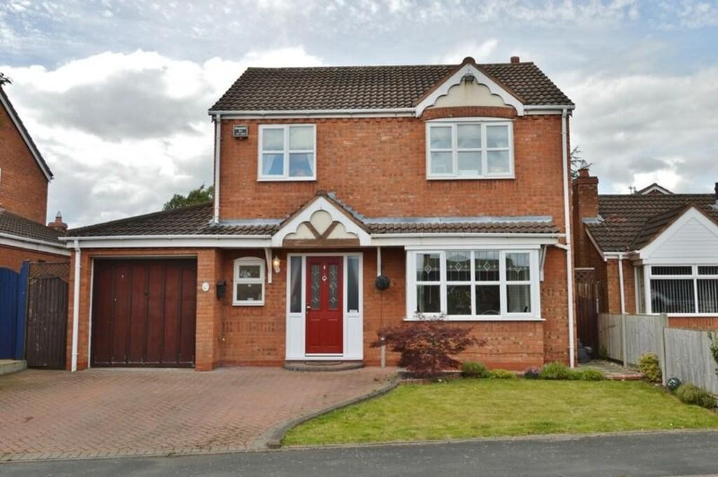 3 Bedrooms Detached House for sale in Rowan Drive, Handsacre